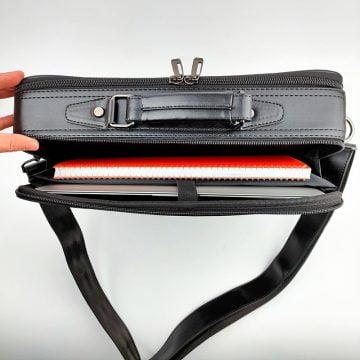 siyah laptop cebi
